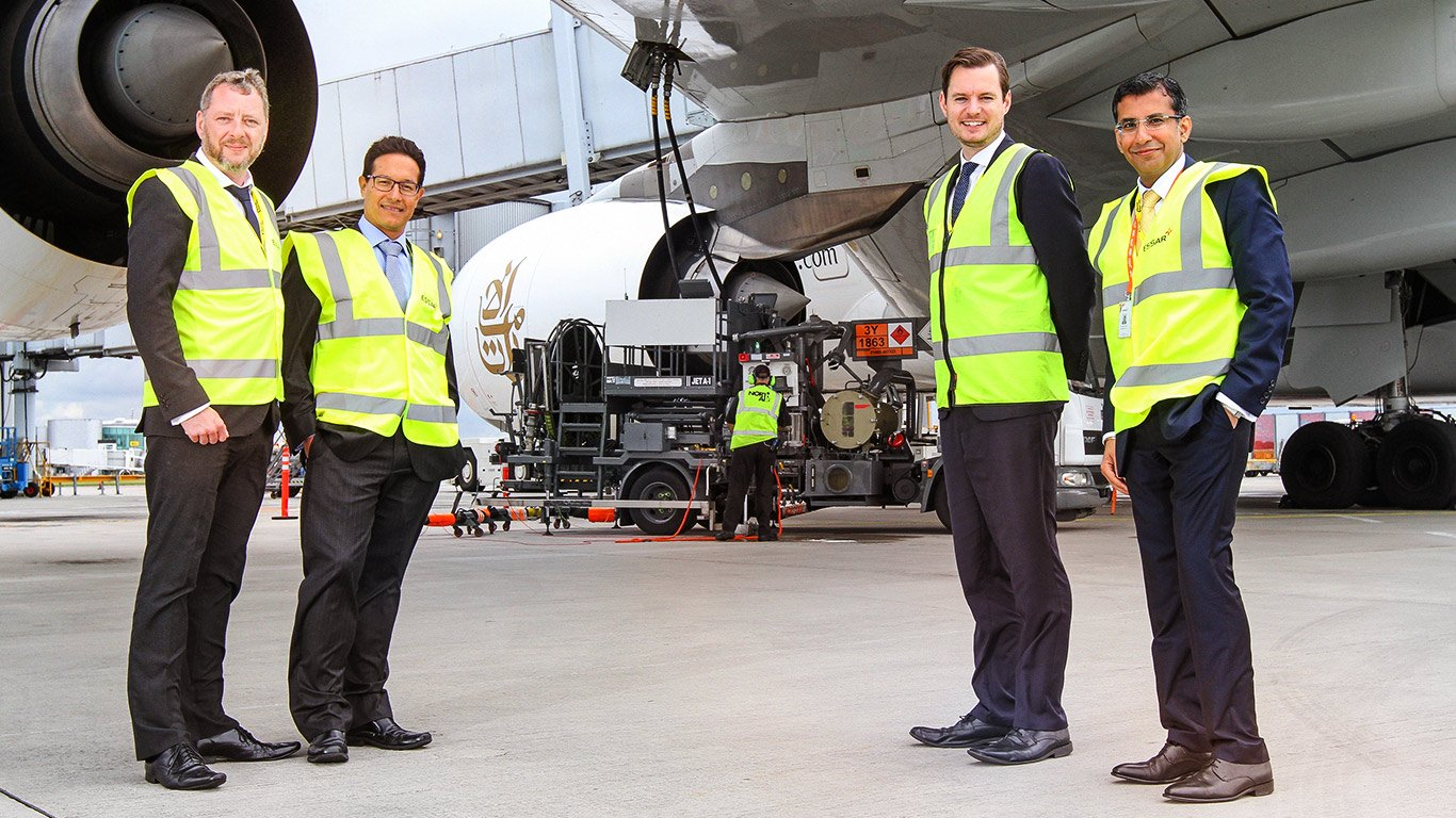 Essar Oil UK supplying jet fuel at the airport